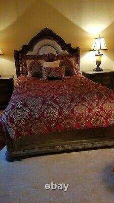 Croscill Imperial Red Gold Medallion Queen Comforter Set & Pillows -8 Pieces