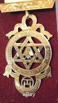 Masonic. 9ct gold Royal arch chapter medallion