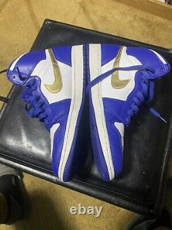 Nike Air Jordan Retro 1 High Gold Medal Size 9